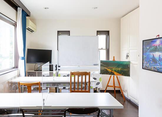 ワイズオクターブ2階学習ルーム個室7.5畳長机タイプ